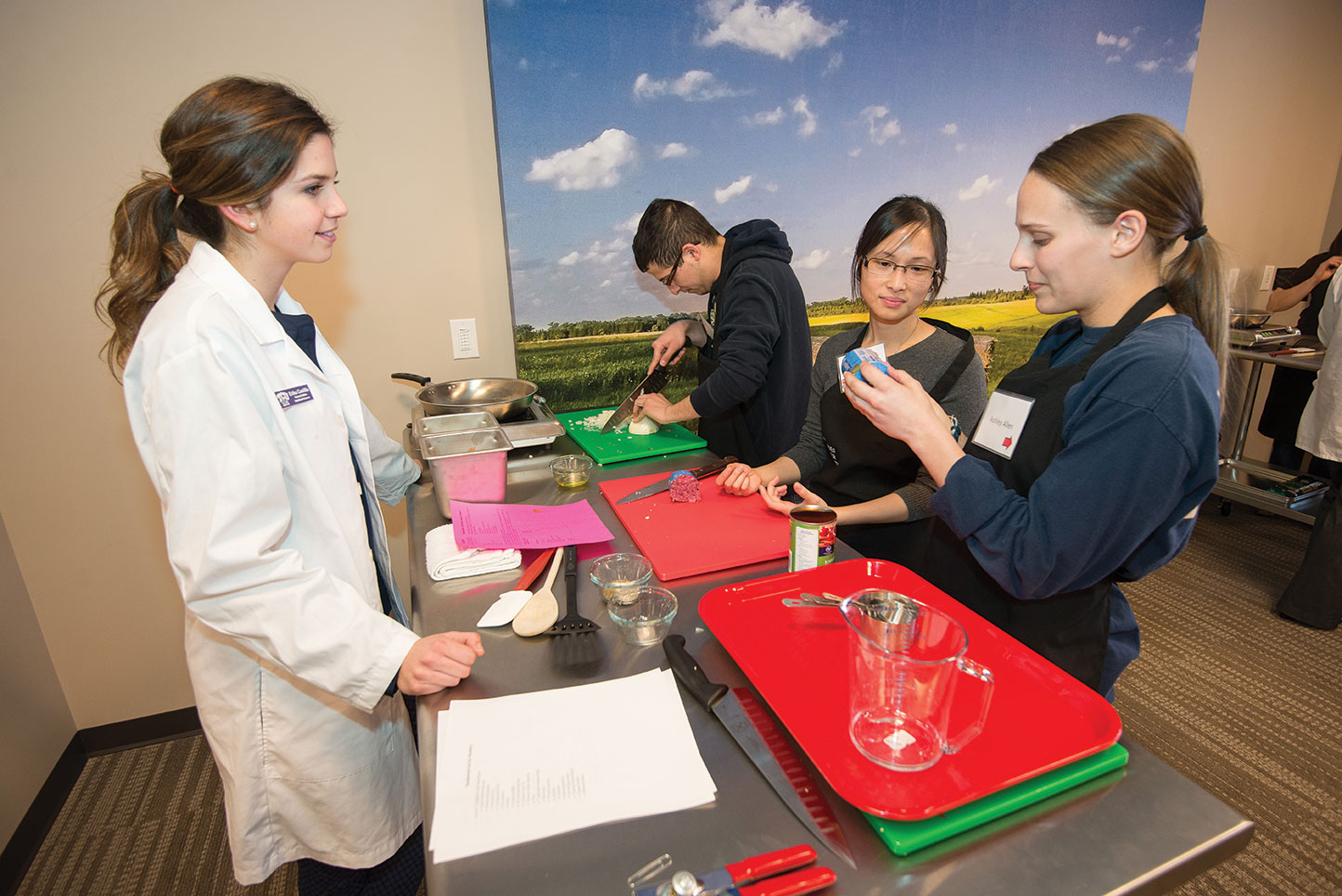 Nutrition students teach culinary medicine