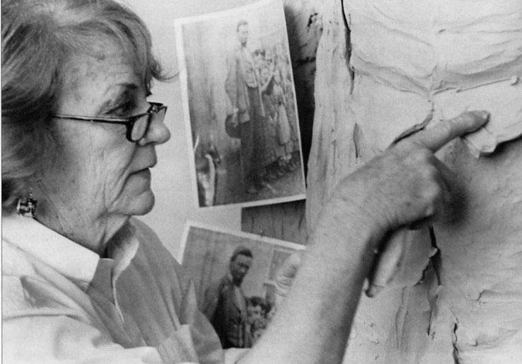 Feature obit: Sculptor Carol Thornton '48